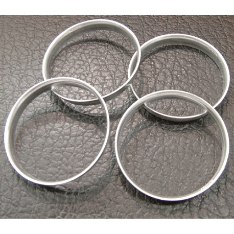 Set of 4 Spigot Rings in Aluminium 74,1/72,6 for BMW